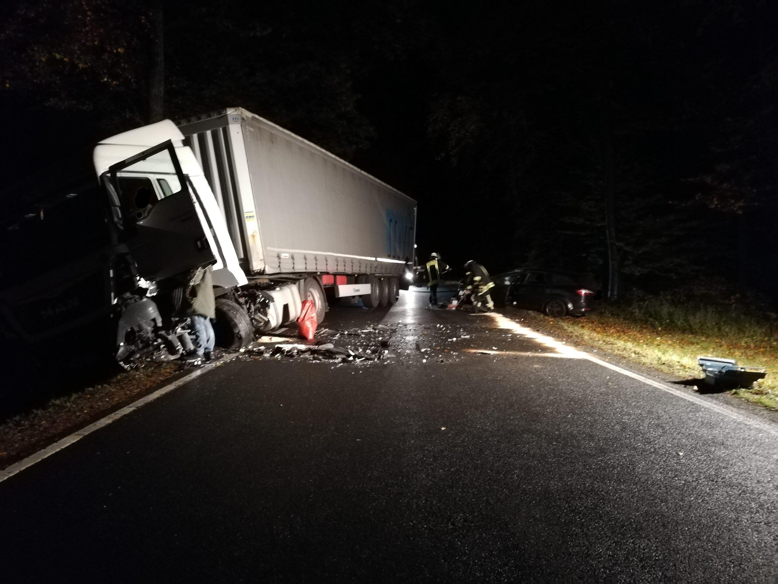 30.10.2020 Absicherung Verkehrsunfall (21-20)