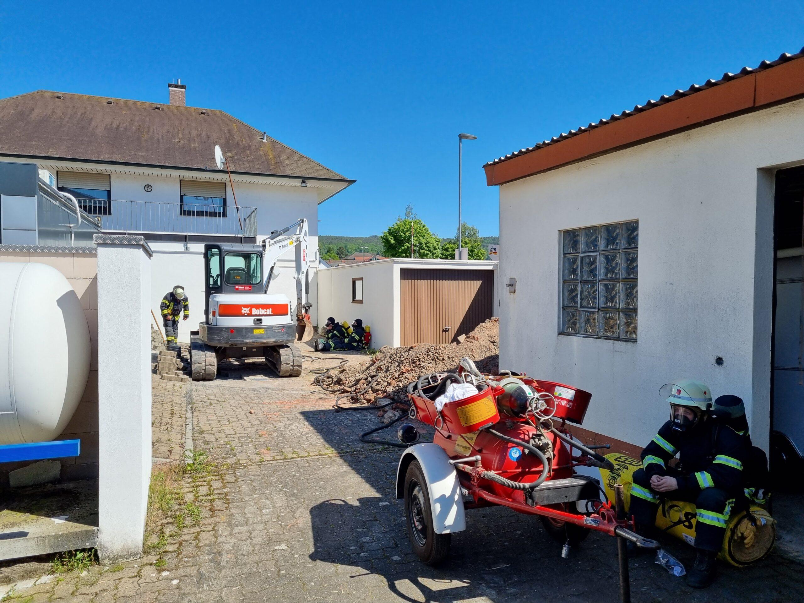 31.05.2021 Ausströmender Gastank in Michelstadt (10-21)